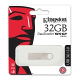 Kingston 32GB DataTraveler USB 3.0 Flash Drive - 100MB/s